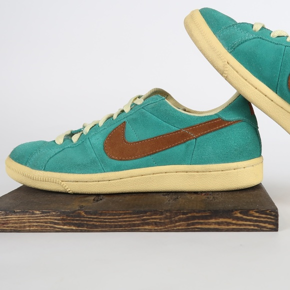 Nike Other - Air Classic Sb - Emerald Green/Desert Clay mens